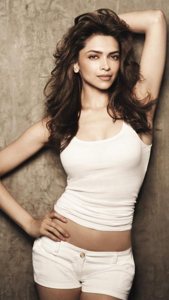 Deepika Padukone Sexy Pics 005