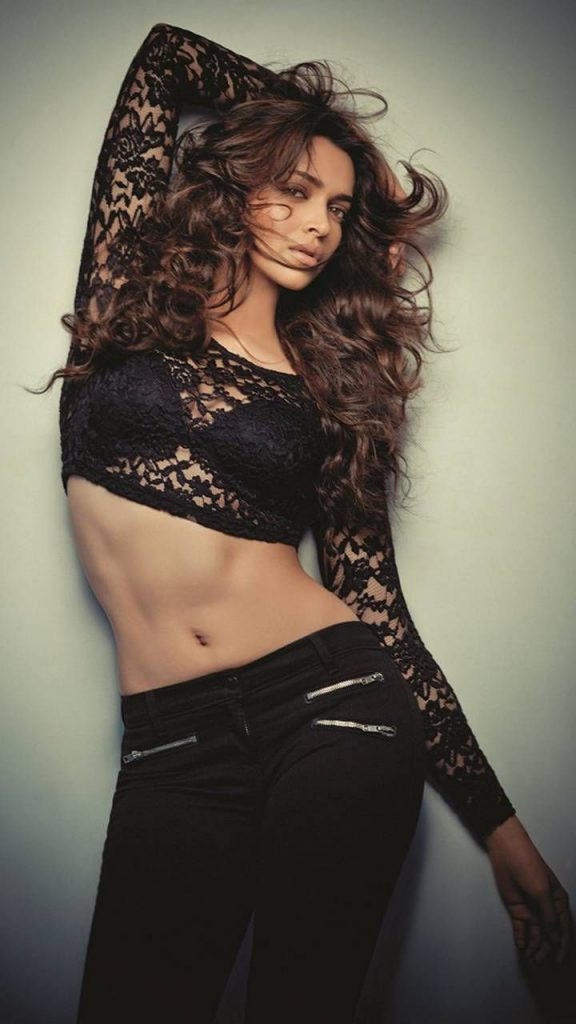 Deepika Padukone Sexy Pics 019