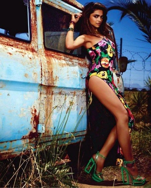 Deepika Padukone Sexy Pics 022