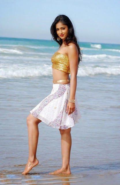 Ileana D'Cruz Hot Photos 002