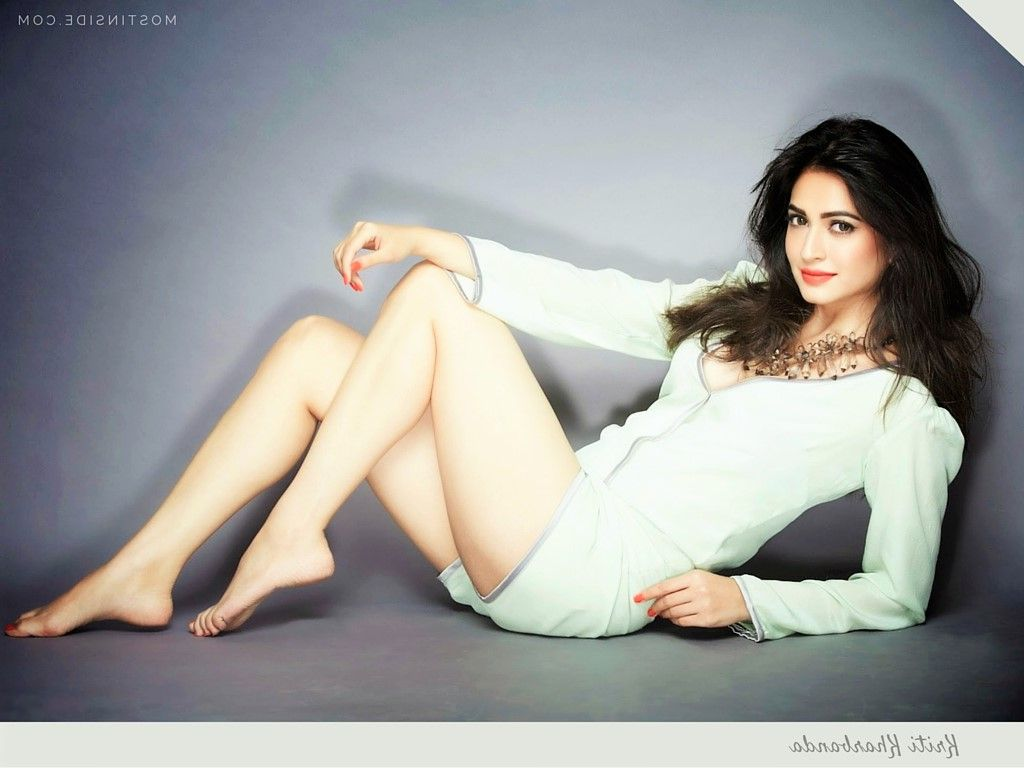 Kriti Kharbanda Hot Photos 017