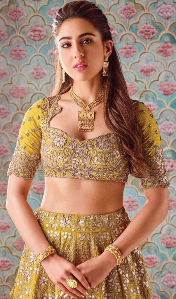 Sara Ali Khan Hot 001