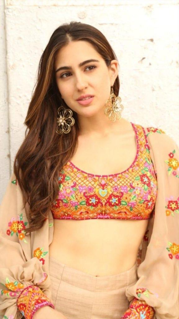 Sara Ali Khan Hot 007