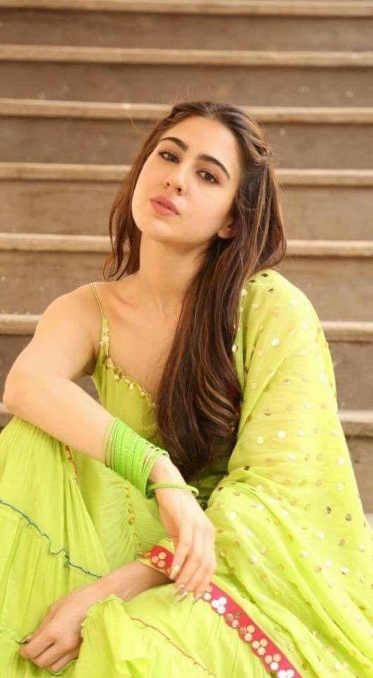 Sara Ali Khan Hot 011