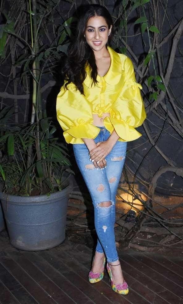 Sara Ali Khan Hot 012