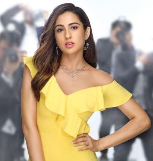 Sara Ali Khan Hot 017
