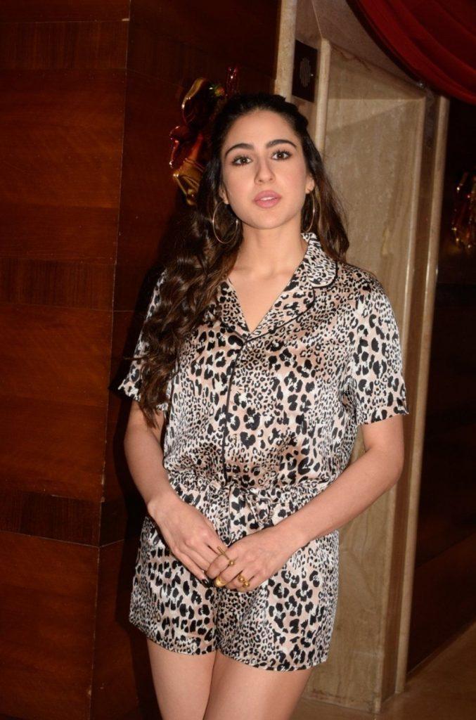 Sara Ali Khan Hot 022