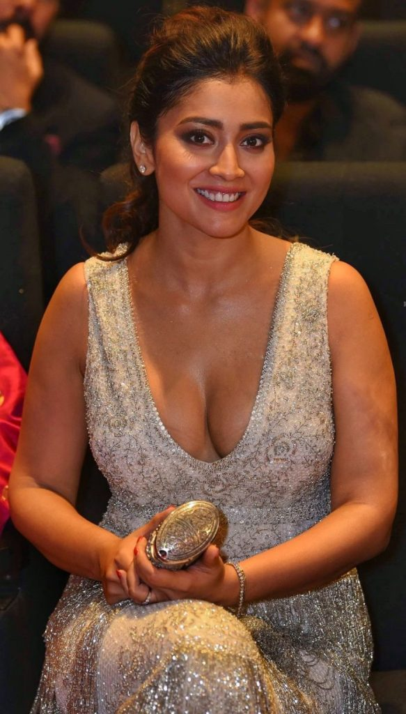 Shriya Saran Hot 006