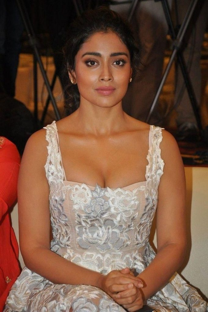 Shriya Saran Hot 029