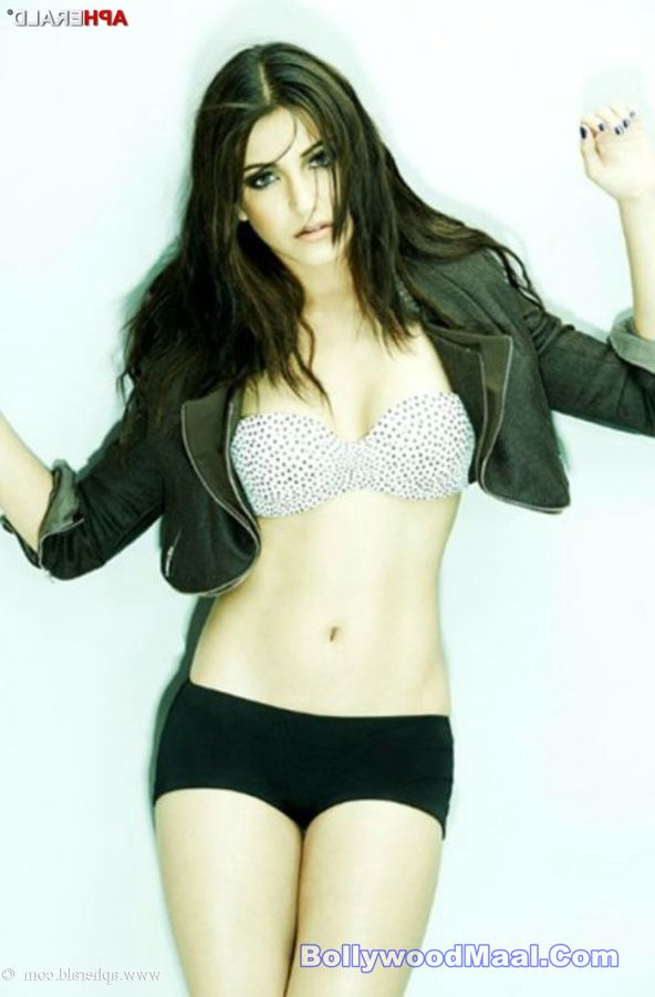 Anushka Sharma Hot And Sexy Photos 016