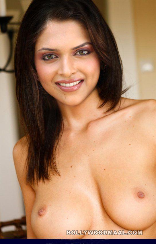 Deepika Padukone Nude 010