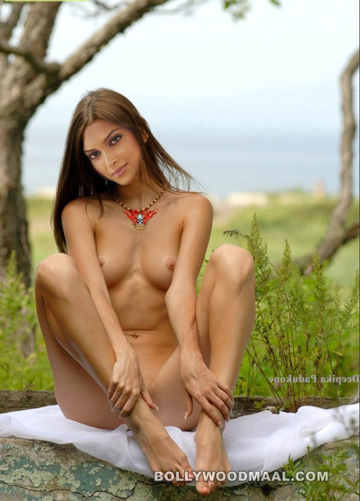 Deepika Padukone Nude 017
